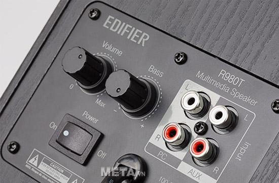 Loa Edifier R980T thiết kế bố trí các nút chức năng ở mặt sau loa, mang lại vẻ thẩm mỹ cho mặt trước.