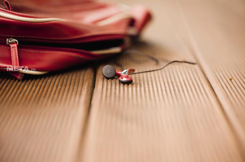 Tai nghe Sennheiser MX 365 có kích thước nhỏ gọn để bỏ túi