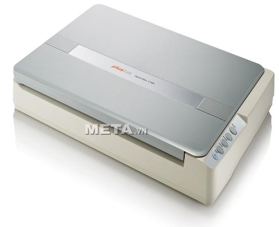 Máy scan Plustek OpticSlim 1180 thiết kế nhỏ gọn, gồm bốn phím chức năng Scan, OCR, PDF và email.