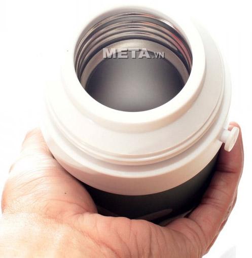 Bình giữ nhiệt Elmich 2246302 được làm bằng inox 304 an toàn cho sức khỏe.