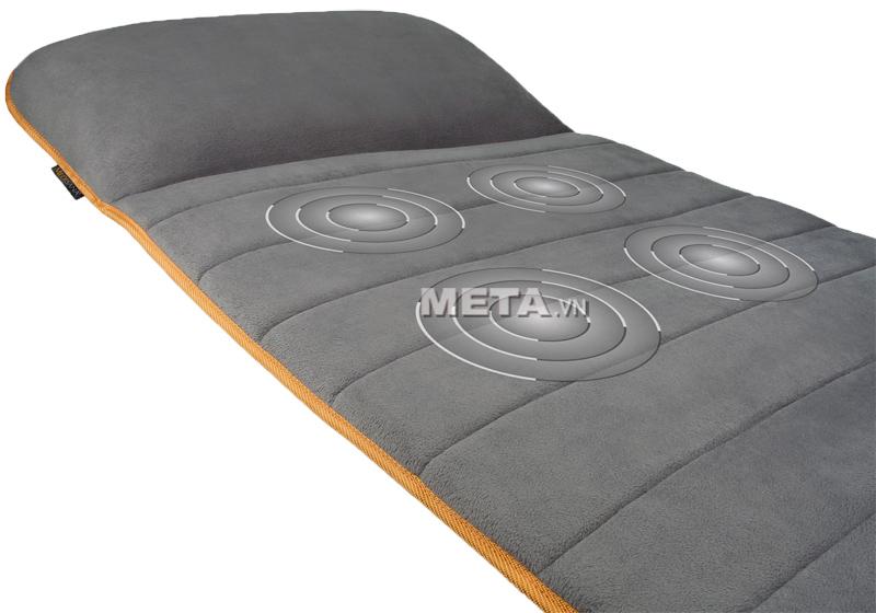 Đệm massage thư giãn toàn thân Medisana MM825 được làm bằng vải dạng nỉ êm ái