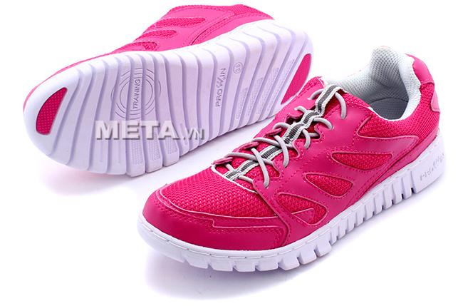 Giầy thể thao nữ Prowin TL1404 - Hồng có in tên thương hiệu trên đế giầy.