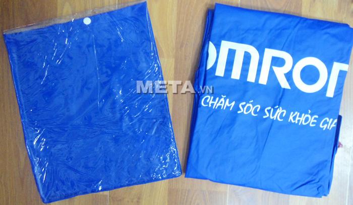 Áo mưa Omron đi kèm túi đựng tiện dụng khi bảo quản.