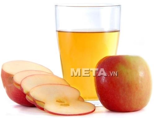Máy ép trái cây Zelmer 377 sẽ mang đến cho bạn những cốc nước ép trái cây thơm ngon, bổ dưỡng.