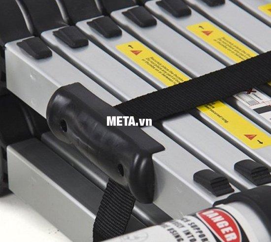 Thang nhôm rút gọn đa năng Pro PR-50AI thiết kế dây buộc thang an toàn, khóa bấm dễ dàng