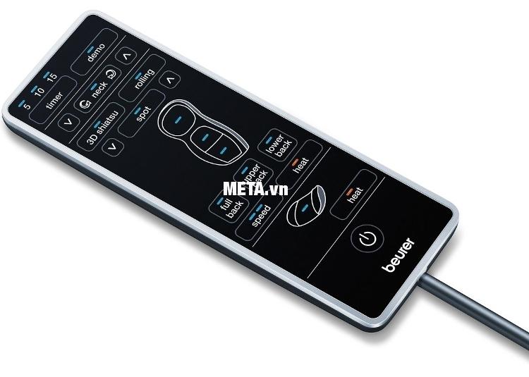 Dễ dàng điều khiển các chức năng thông qua bảng điều khiển của đệm massage 3D hồng ngoại Beurer MG295.