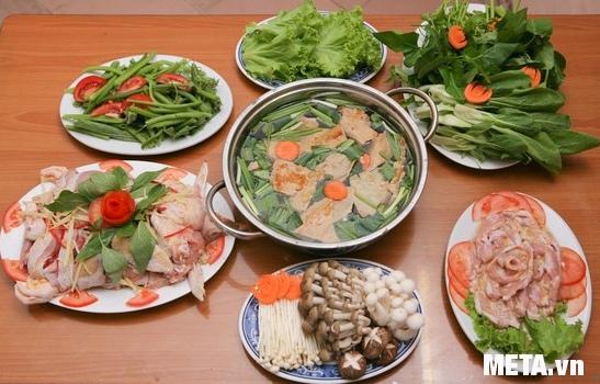 Bếp điện từ Elmich L6346 giúp bạn làm món lẩu gà thơm ngon