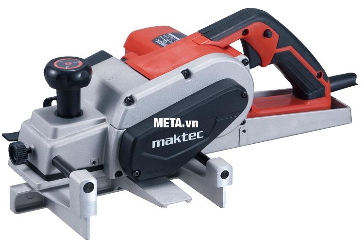 Máy bào chạy điện Maktec MT111 cho khả năng bào gỗ nhanh chóng.