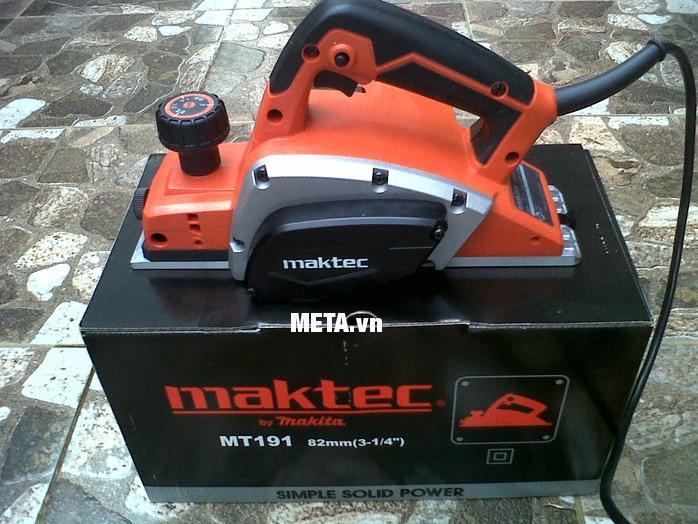 Máy bào chạy điện Maktec MT191 nhỏ gọn được đựng trong hộp sang trọng.