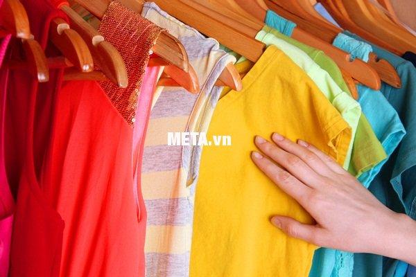 Quần áo gia đình bạn luôn thơm tho, sạch sẽ với máy sấy quần áo Sunhouse SHD2702