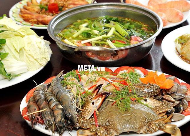 Bếp từ Korihome ICK-356-BK rất tiện lợi khi nấu lẩu
