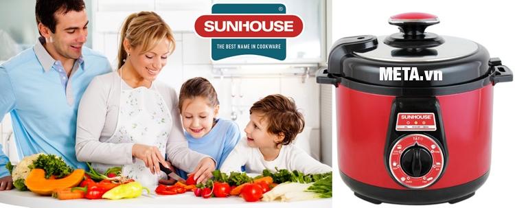 Nồi áp suất điện đa năng Sunhouse SHD1562 phù hợp sử dụng cho gia đình.
