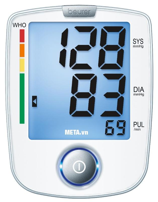 Máy đo huyết áp bắp tay Beurer BM44 trang bị màn hình to, giúp quan sát kết quả rõ ràng.