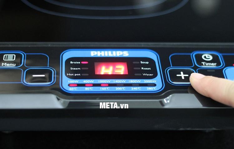 Bếp điện từ Philips HD4921 thiết kế bảng điều khiển các nút bấm đơn giản, dễ sử dụng.