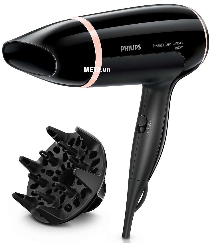 Máy sấy tóc Philips BHD004 có kiểu dáng nhỏ gọn dễ dàng sử dụng.