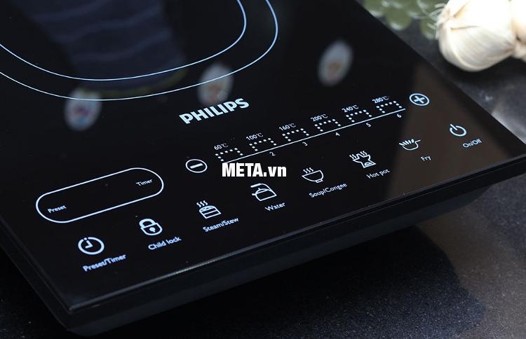 Bếp điện từ Philips HD4932 có bảng điều khiển cảm ứng nhạy, dễ dàng sử dụng.