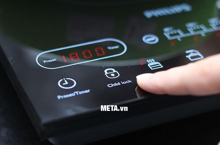 Bếp điện từ Philips HD4932 có chức năng khóa trẻ em mang đến sự an toàn khi sử dụng.