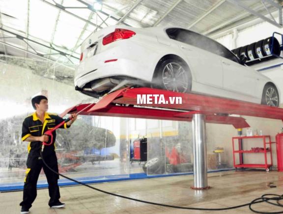 Máy phun rửa cao áp chạy dầu diesel Kocu KD178F chuyên dùng để rửa xe ô tô, vệ sinh toà nhà, công trình.