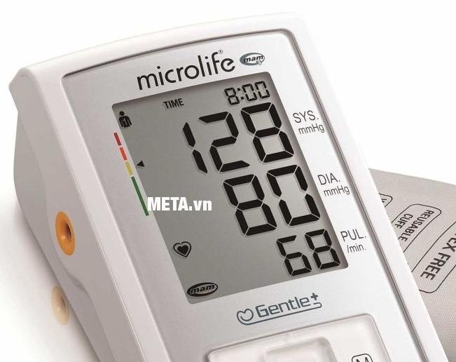 Máy đo huyết áp bắp tay Microlife A3 Basic với màn hình LCD hiển thị rõ ràng các chỉ số.