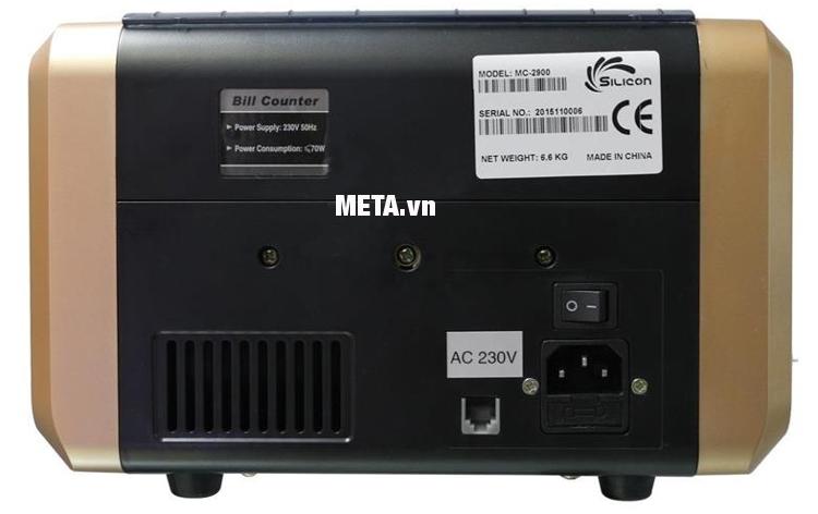Máy đếm tiền Silicon MC-2900 có nút nguồn và cổng kết nối qua thân máy.