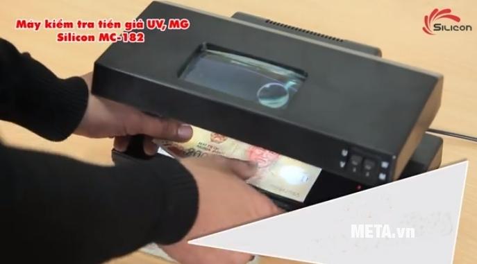Máy kiểm tra tiền giả UV, MG Silicon MC-182 dễ sử dụng, mang lại kết quả chính xác.
