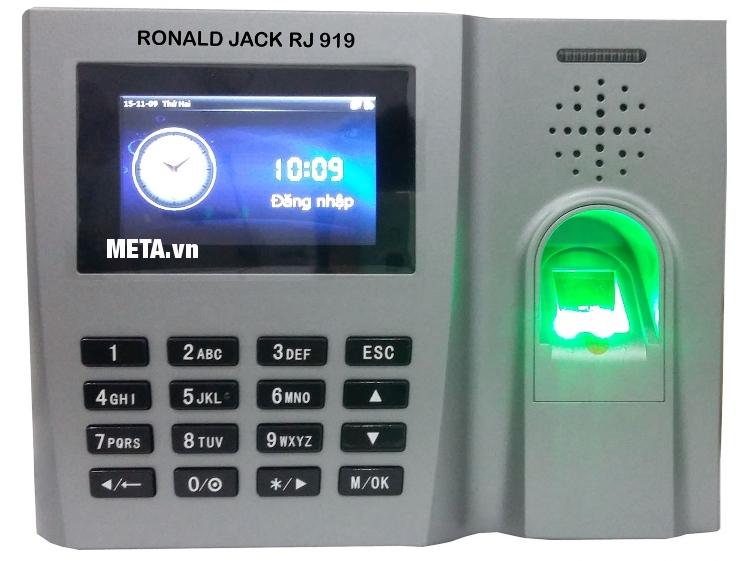 Máy chấm công vân tay Ronald Jack RJ919 sử dụng tiếng Việt nên dễ cài đặt.