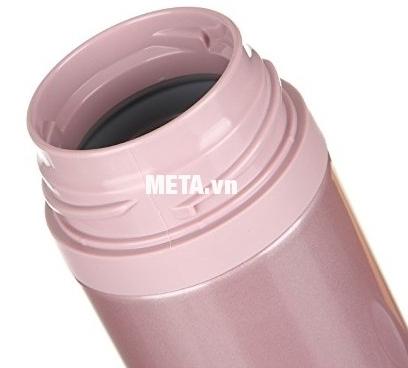 Bình giữ nhiệt nóng lạnh Zojirushi ZOBL-SM-XB36 miệng rộng dễ dàng đổ nước vào.