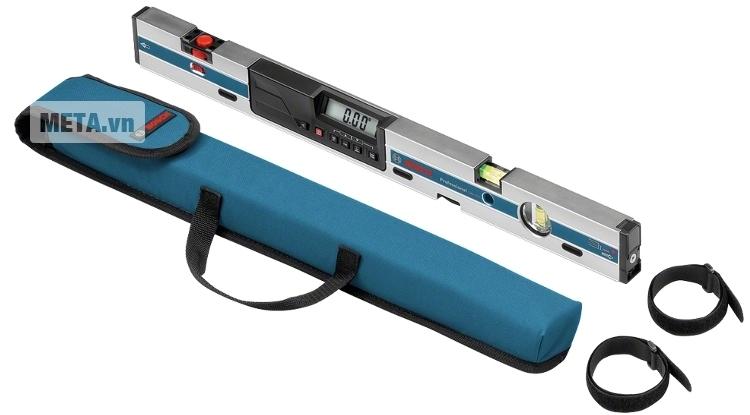 Thước đo nghiêng kỹ thuật số Bosch GIM 60L có túi đựng giúp mang theo và cất giữ tiện dụng.