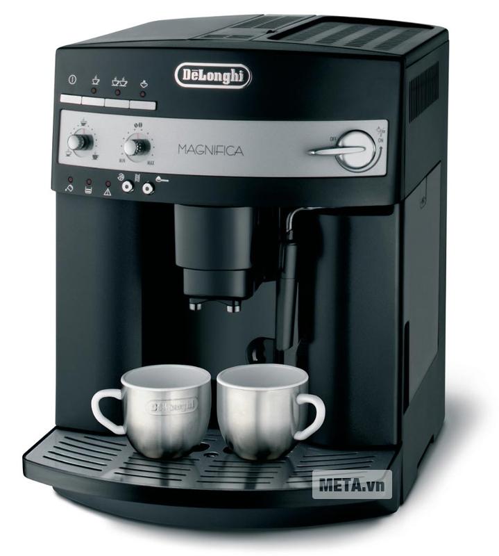 Máy pha cà phê Delonghi ESAM3000.B có chức năng làm sạch tự động.
