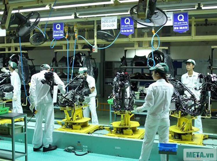 Máy nén khí Oshima 24L được sử dụng tại các khu công nghiệp.