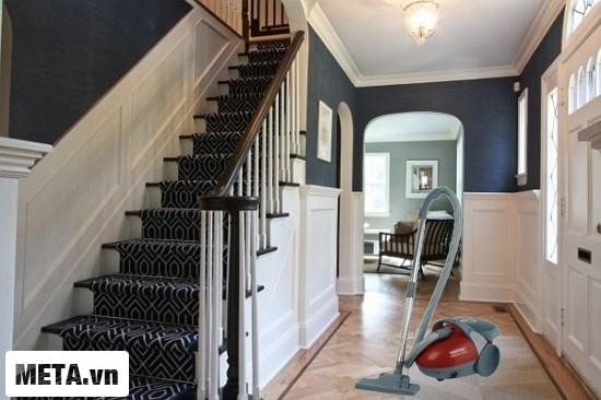 Zelmer 819.5 SK Red giúp căn nhà bạn lúc nào cũng thoáng mát, sạch sẽ.