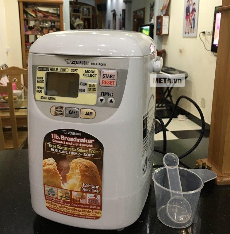 Máy làm bánh Zojirushi BB-HAQ10 được trang bị chức năng hẹn giờ