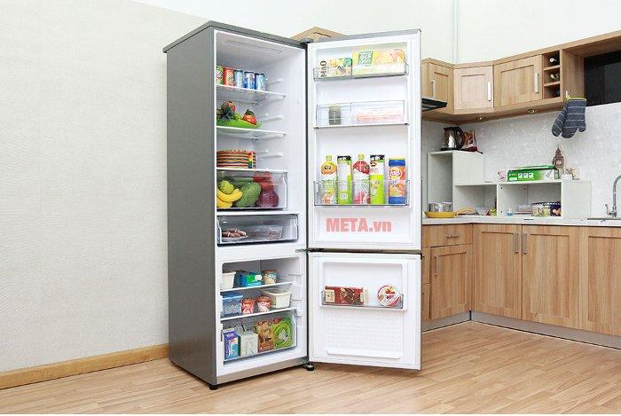 Tủ lạnh được trang bị hệ thống khử mùi, kháng khuẩn tinh thể bạc Ag Clean.