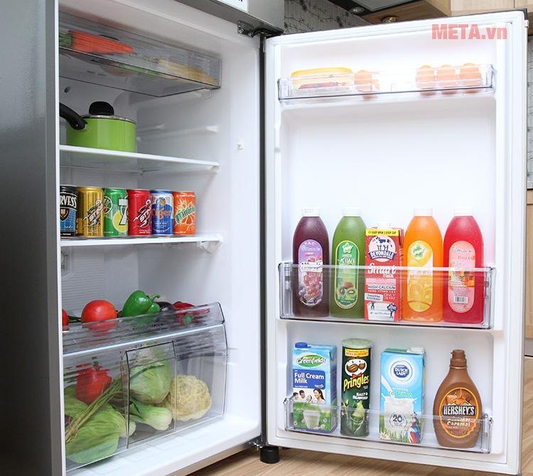 Tủ lạnh Panasonic 234 lít NR-BL267VSVN (267VSV1) với hệ thống khay kệ đa dạng.