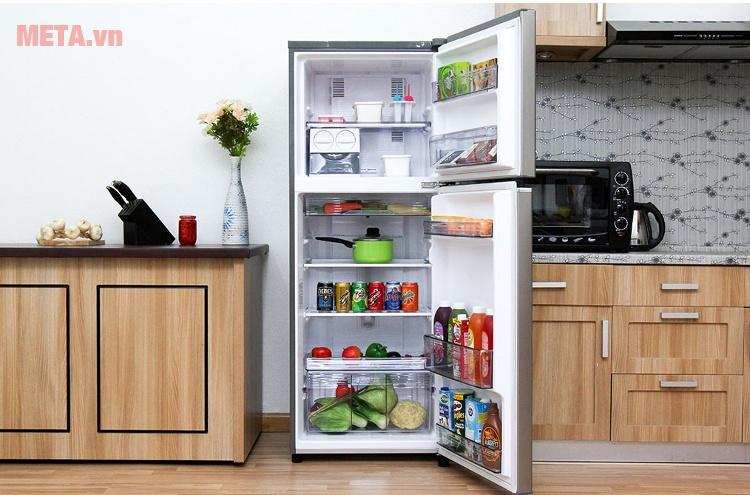 Tủ lạnh Panasonic 234 lít NR-BL267VSVN với dung tích tủ lớn.