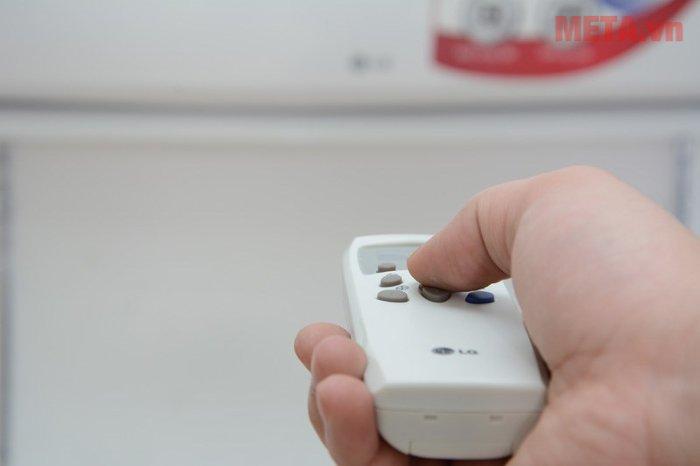 Điều hoà 1 chiều LG S12ENA có điều khiển từ xa tiện dụng