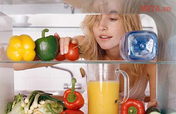 Bảo quản thực phẩm tốt hơn với tủ lạnh mini 68lít Midea HS-90LN.