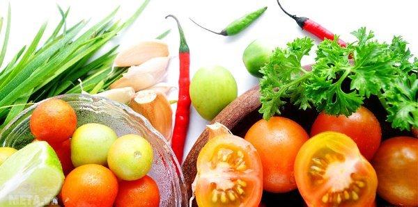 Tủ lạnh có hệ thống khử mùi giúp thực phẩm luôn tươi mới