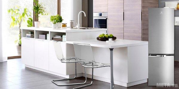 Tủ lạnh áp dụng hệ thống làm lạnh FreshPlus kết hợp cùng luồng không khí lạnh đa chiều 360o