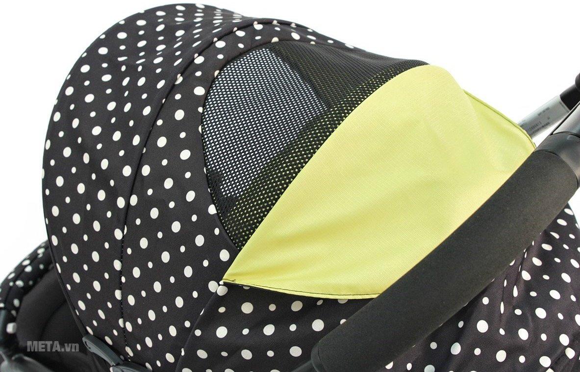 Xe đẩy trẻ em Aprica Karoon Plus BK có mái che, giúp bé tránh ánh nắng mặt trời