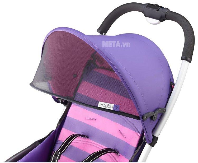 Xe đẩy trẻ em Aprica Magical Air Prism Violet PP được trang bị màn lưới chống nắng, giúp bảo vệ bé tối ưu