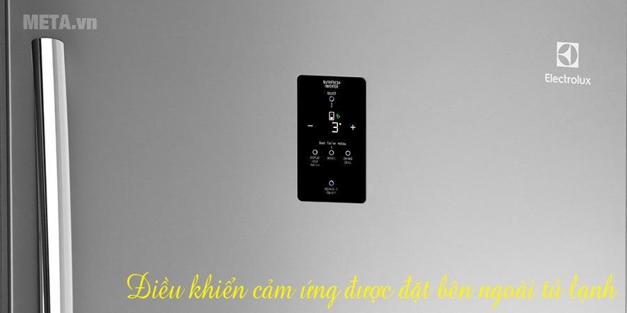 Tủ lạnh Inverter 570 lít Electrolux ETE5720AA có bảng điều khiển cảm ứng