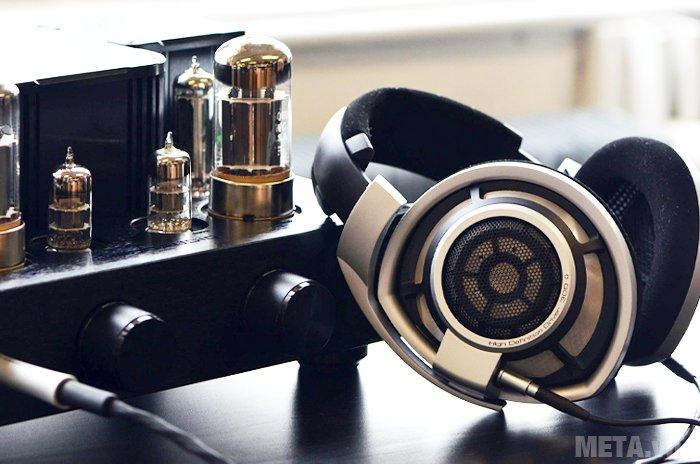 Tai nghe Sennheiser HD 800 thiết kế sắc nét, sang trọng