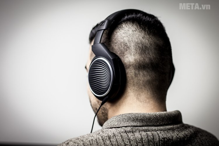 Tai nghe Sennheiser HD471G có thiết kế đơn giản, tinh tế
