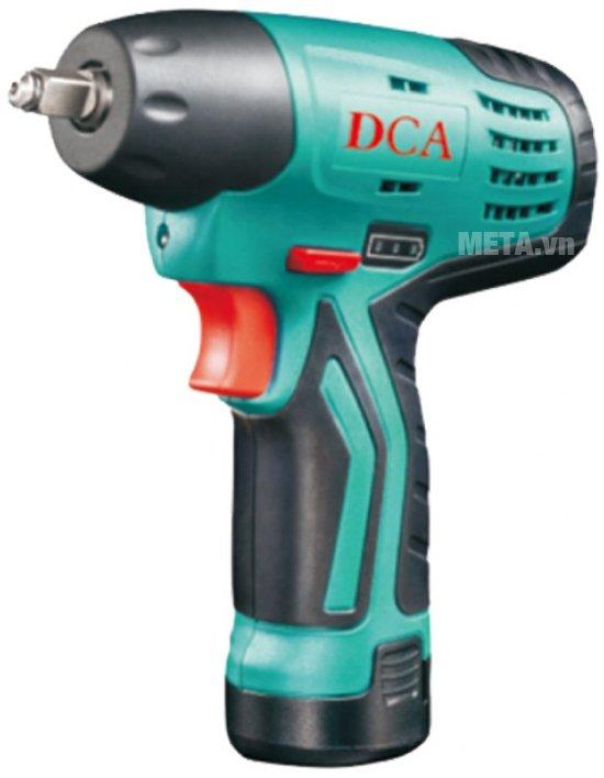 Máy vặn bu lông dùng pin DCA ADPB10 hoạt động mạnh mẽ.
