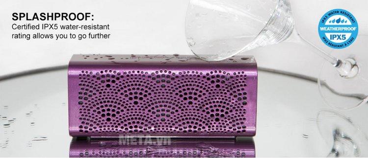 Loa Braven Lux có khả năng chống nước