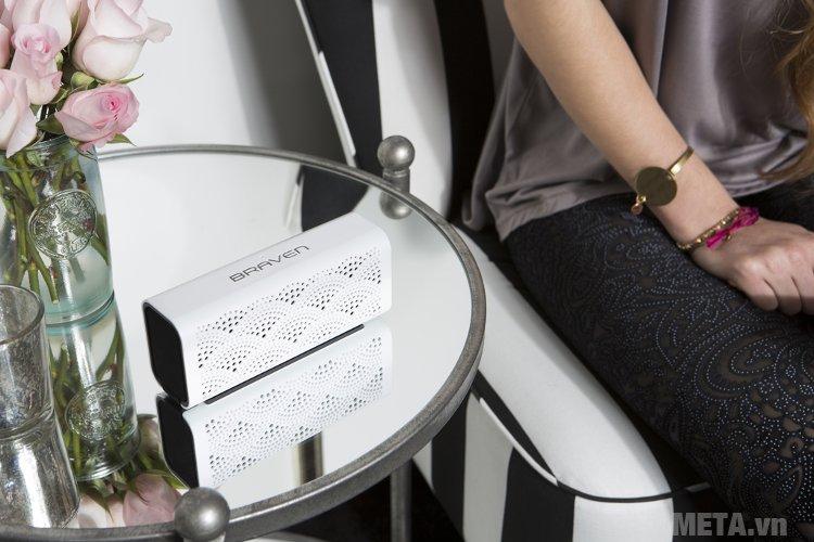 Loa Braven Lux có kết nối không dây bluetooth