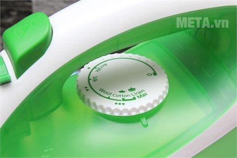 Bàn là hơi nước Panasonic PABU-NI-P250TGRA thiết kế tiện lợi
