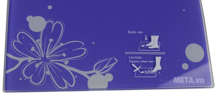 Cân điện tử Camry EB9360-S647 có hoa văn đẹp mắt