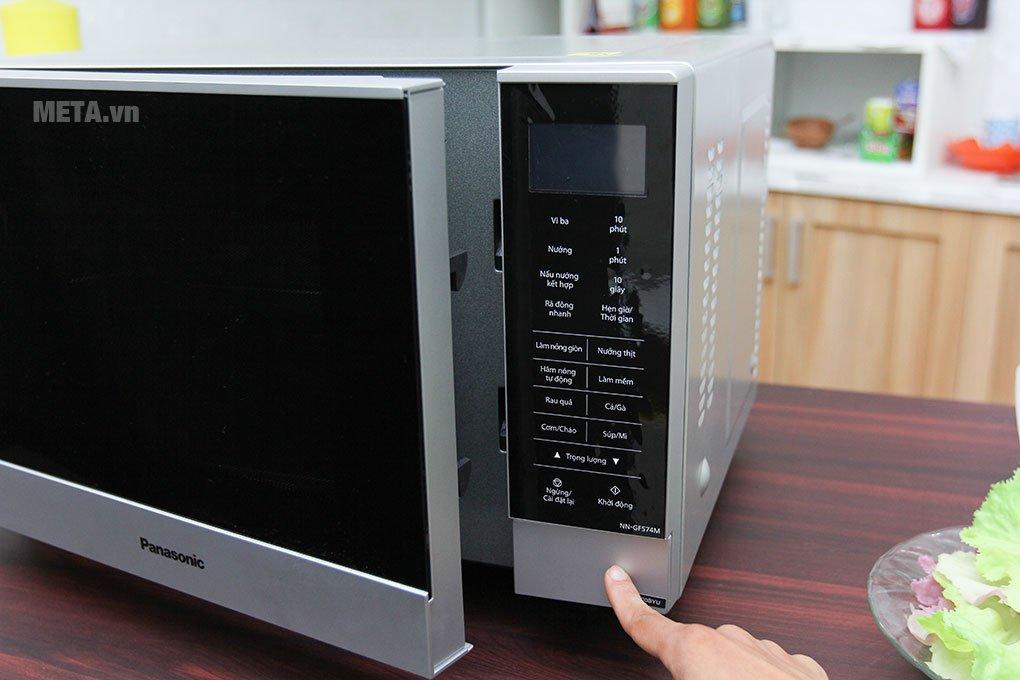 Lò vi sóng Panasonic NN-GF574MYUE - 27 lít kích thước nhỏ gọn